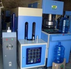 供应高配置半自动PET塑料瓶吹瓶机 吹塑机 高产量设备吹瓶机厂家
