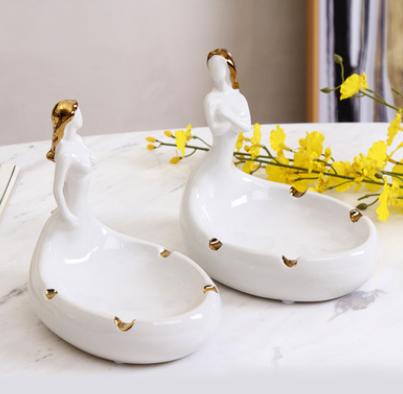 欧式创意时尚个性茶几陶瓷摆件人体烟灰缸现代家居客厅