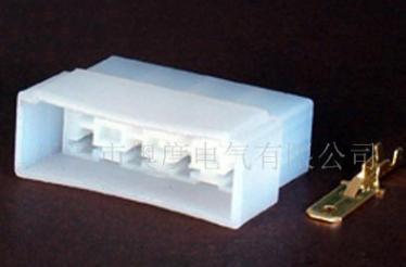 厂家生产DJ70817-6.3-11 车用塑料连接器 8孔白色接插件