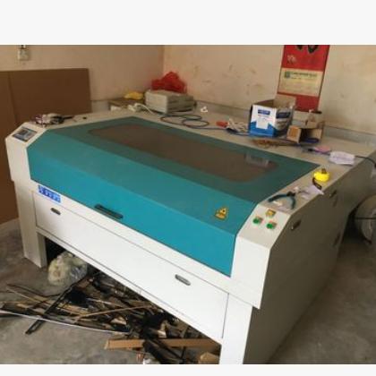 9成新 博业激光雕刻机器切割机 亚克力有机板塑料板板材切割机