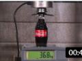 玻璃制品在液压机下,能承受多大的压力?看了测试,经不起考验 (252播放)