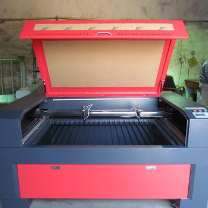 大型亚克力激光雕刻机激光裁床机 全自动激光裁剪机自动送料机