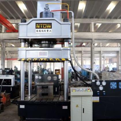 南通液压机厂家达沃重工新推出重型全自动YQ32-315吨四柱液压机